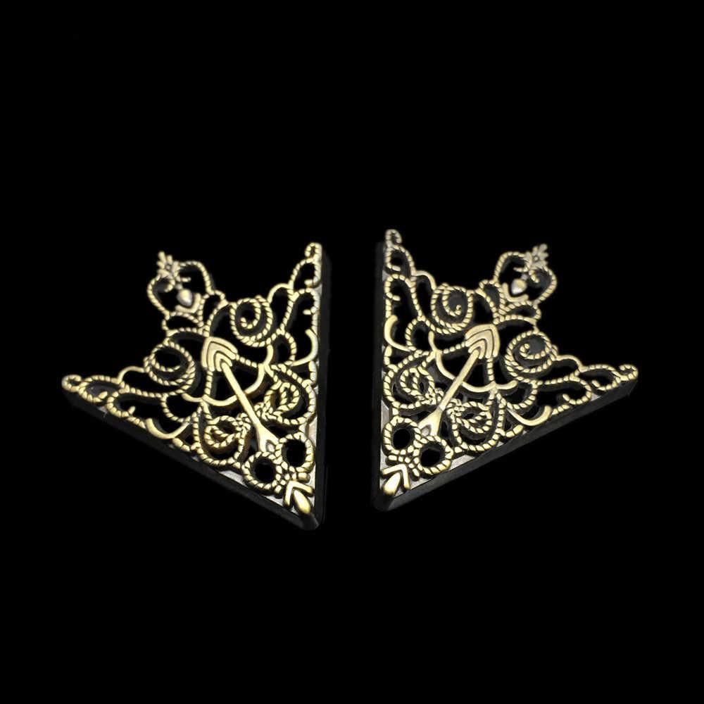 ファッションブローチ 2 個中空シルバー/ゴールドシャツスーツの襟ネックヒントブローチピンレトロトライアングルシャツ襟ピンチェーンユニセックスクリスマス