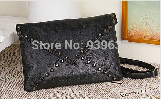 Free shipping 2015 new handbag punk skull pattern rivet envelope bag clutch diagonal handbags women beauty