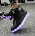 Tamanho 35-46 Inverno Sapatos Para Mulheres Dos Homens Da Forma de Luz LED Luminoso Up Led Sapatos Unissex Branco/Preto de Alta Top Casual Sapatos Crescentes