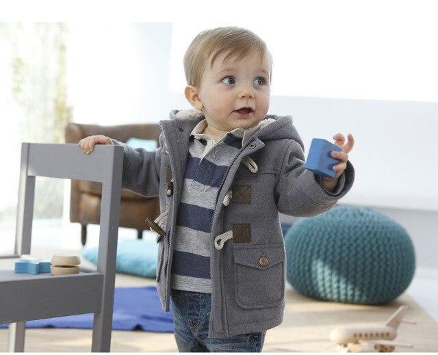 Классическая мода 2014 детская одежда мужчины ребенок рог кнопку с капюшоном детская одежда верхняя одежда хлопка-проложенный куртка