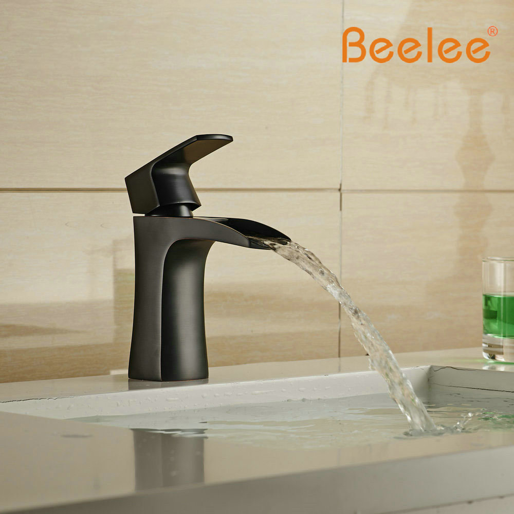 Beelee Unique Font B Design