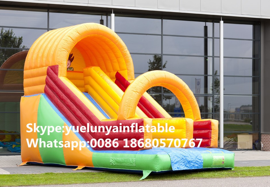 inflatable-clown-slide-2-940x652_