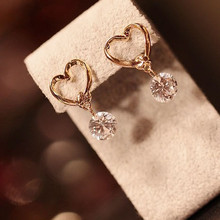 2018 New Hot Korean Fashion Peach Heart Zircon Crystal Stud Earrings For Women Jewelry(China)