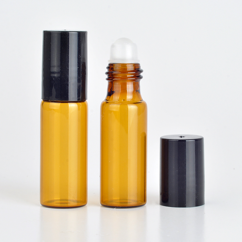 все цены на Wholesale 100Pieces/Lot 5 ML Roll On Portable Amber Glass Refillable Perfume Bottle Empty Essential Oil Case With Plastic Cap