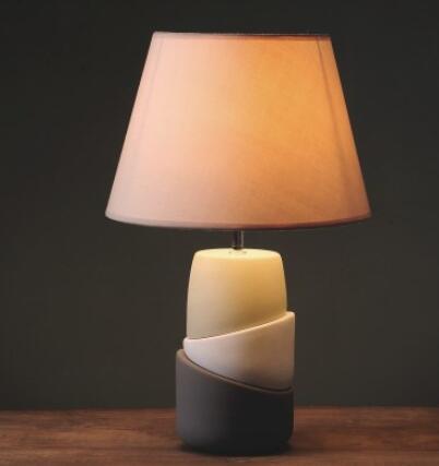 US $168.0 |Il soggiorno camera da letto Lampade Da Tavolo lampada da  comodino in ceramica creativa semplice moda moderna bella luce calda  lampada da ...