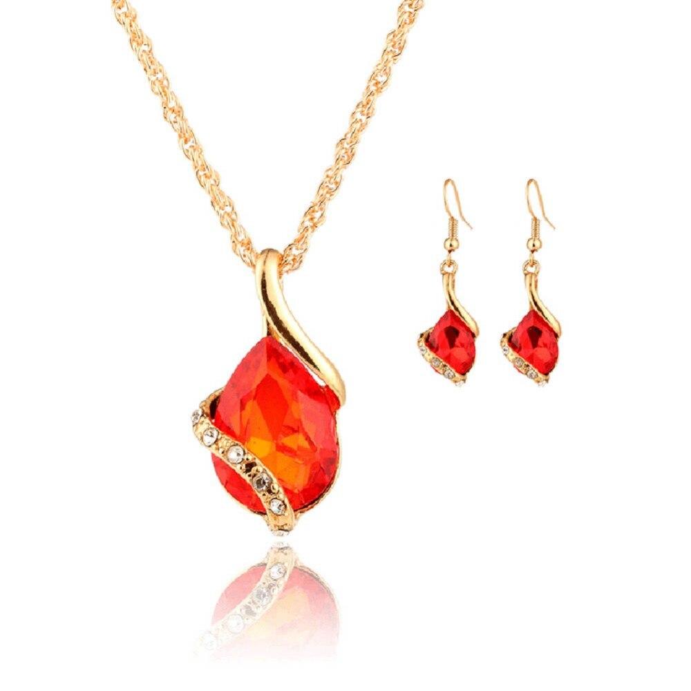 Beautiful Tear Drop Shaped Crystal Rhinestones Jewelry Set