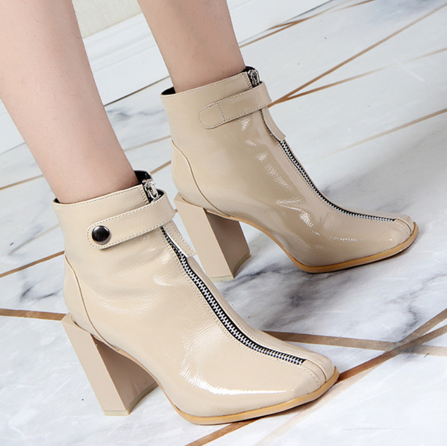 6a2186e1ef 2019 Autumn New Casual Women's Shoes Patent Leather Wild Thick Single Shoes  Trend High-heeled Martin Boots