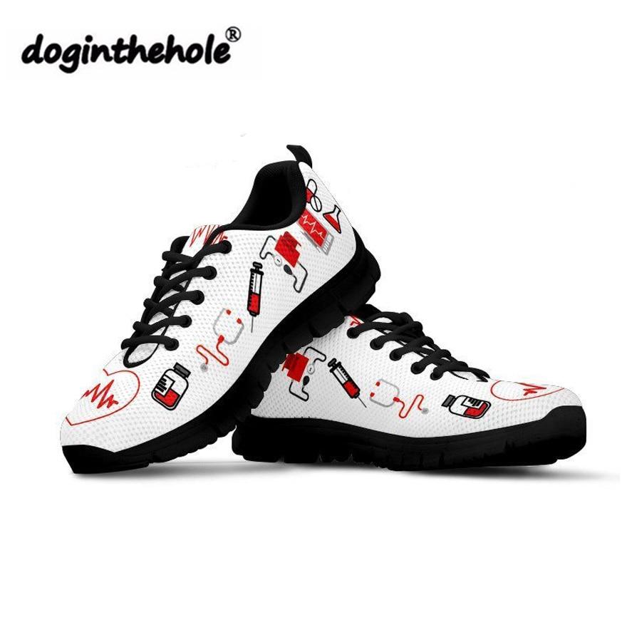 doginthehole Casual Stats Ženske medicinske sestre natisnjene - Ženski čevlji