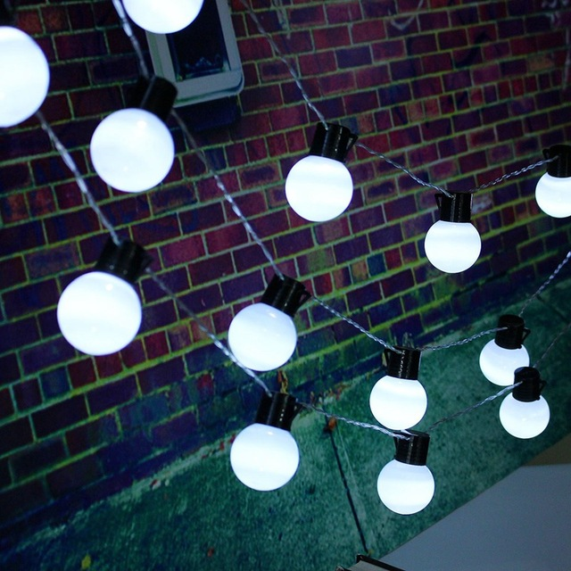 Enchufe de LA UE 10 m 38 Bolas LED Luces de la Secuencia Para La Casa de Hadas Del Partido de Navidad de Iluminación LED Al Aire Libre Luz Del Jardín Impermeable AC220V