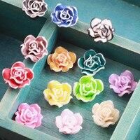 도매 50 개/몫 수제 폴리머 클레이 3D 꽃 공예 맞춤 여자 헤어 보석 머리띠 의류 클립 신발 웨딩 장식