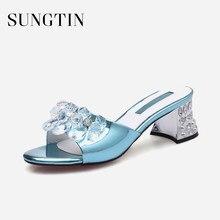 22bdf85d9 Sungtin 2018 Novo Cristal sapatos de Salto Alto Chinelos Mulheres Passarela  Pista Strass Partido Sapatos de