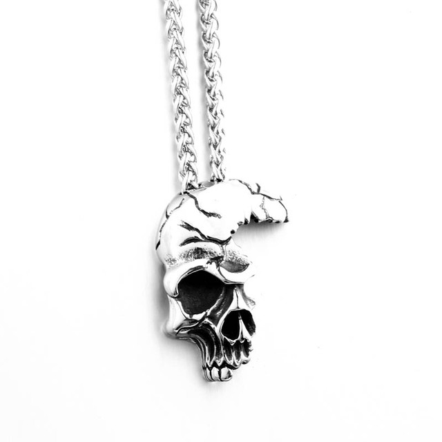 STAINLESS STEEL HALF SKULL NECKLACE (2 VARIAN)