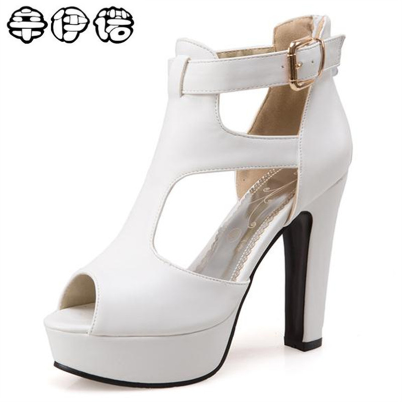 цена на 2018 New Brand Large size 34-43 women sandals wedding shoes peep toe buckle platform shoe fashion eleagnt summer sexy high heels