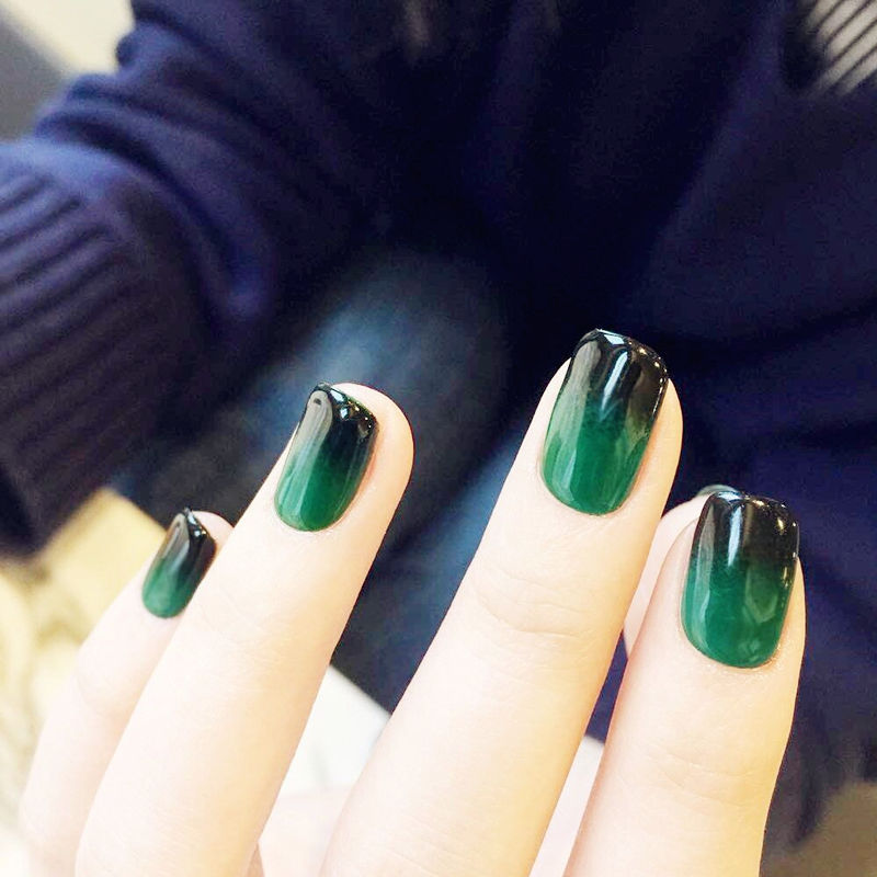 24Pcs Black & Green Gradient Short Nail Art Round Head False Nails ...