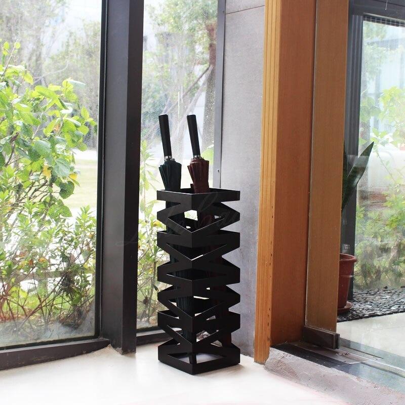 Le M style hôtel parapluie stand créatif en métal en fer forgé mode parapluie rack affichage stockage