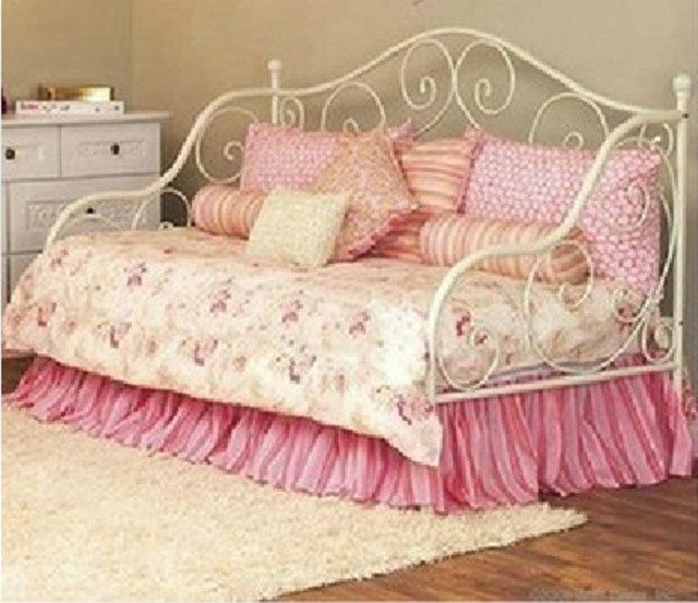Continental Iron princess bed sofa bed living room chair Art Metal     Continental Iron princess bed sofa bed living room chair Art Metal Working  Children bedstead stand now