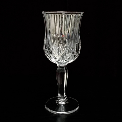 Free shipping Crystal Mirror Chalice/Goblet Illusions Magic Tricks,Liquid Disappearing,Stage,Magic Cup,Gimmick,Comedy,Mentalism a poisoned chalice
