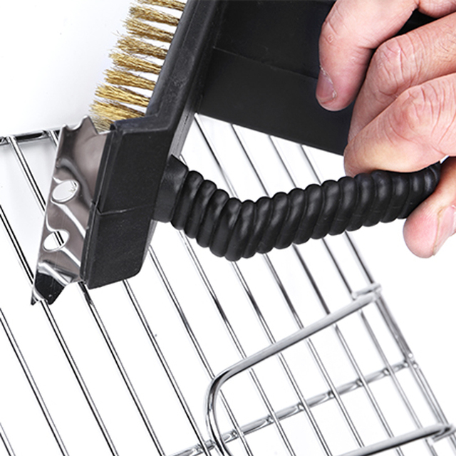Triple barbecue grill cleaning brush