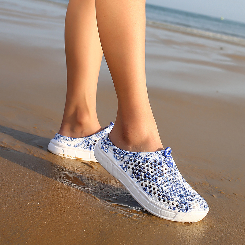 Summer Womens Sandals New Non-slip Garden Sandals Drifting Beach Hole Shoes Womens Breathable Sandals 2019 HotSummer Womens Sandals New Non-slip Garden Sandals Drifting Beach Hole Shoes Womens Breathable Sandals 2019 Hot