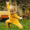 2015 Otoño/Invierno Mamelucos Del Bebé Ropa de Los Muchachos Varones Recién Nacidos Yellown Bruce Lee Kung Fu Del Mameluco Mono Del Equipo de 6 M-18 M