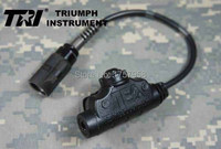 Barato TRI instrumento té U94 V2 resistente a los impactos impermeable militar 6-broches PTT para PRC-152 PRC-148