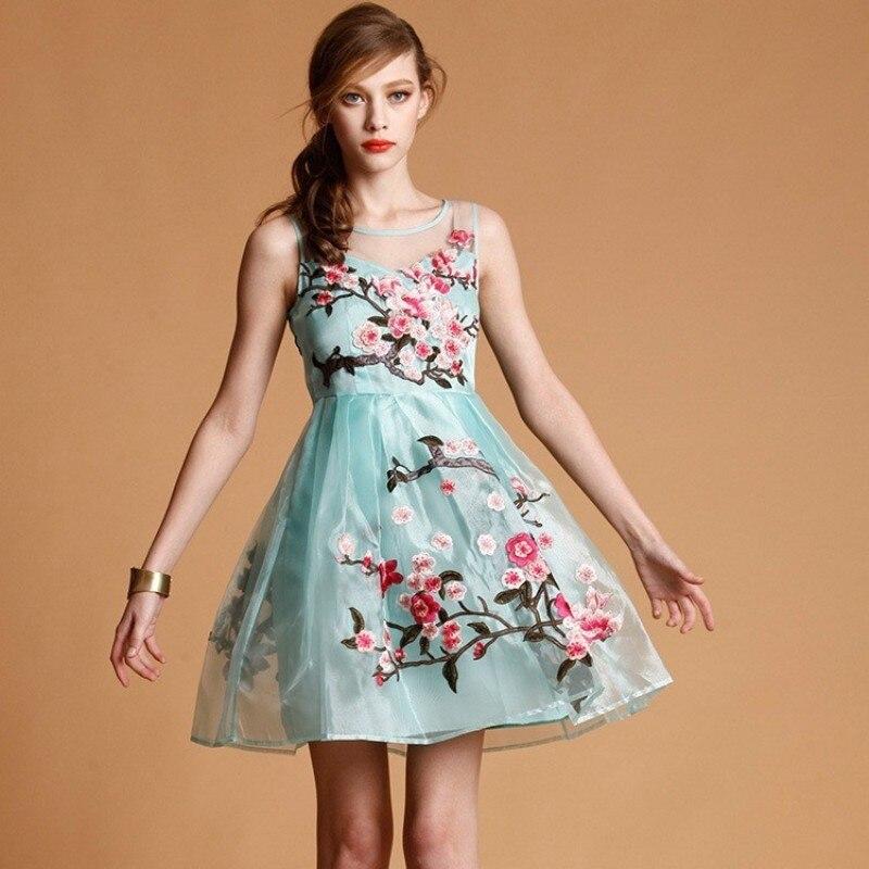 07c2e6f38 Festa vestido de mulher 2018 new roupas de verão de Alta qualidade bordado  Retro Flor elegante Magro vestidos Vestido XL XXXL frete grátis em Vestidos  de ...