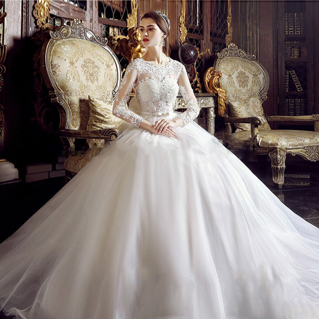 2017 Vintage Lace Ball Gown Wedding Dress With Long Sleeves Big Puffy Scoop Neck Robe