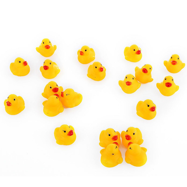 AC0200015 100 Pcs/lot Kawaii Baby Floating Squeaky Rubber Ducks Kids Bath Toys for Children Boys Girls Water Swimming Pool Fun