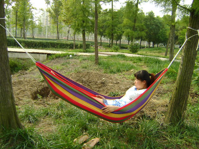 The supply of new canvas hammock to send to send 6 meters rope bag