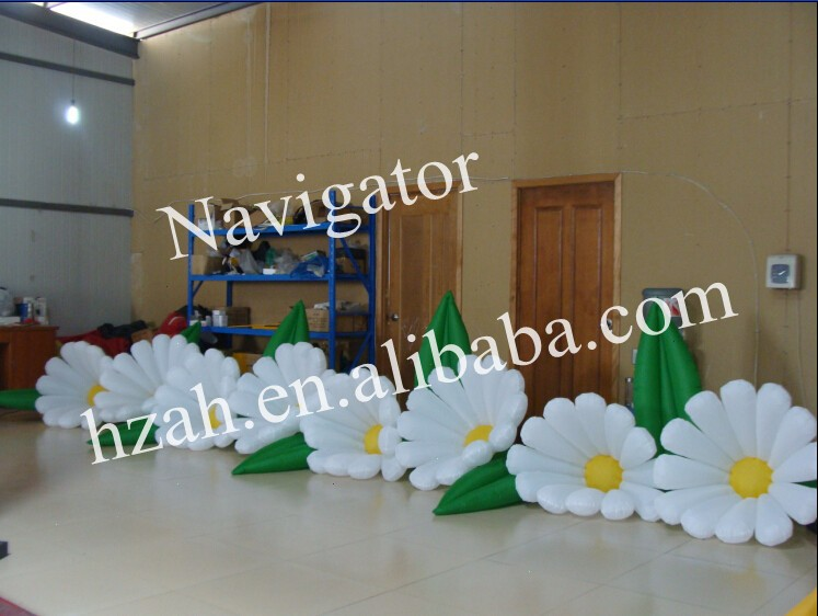 White Inflatable Daisy Flower Long Inflatable Flower Chain