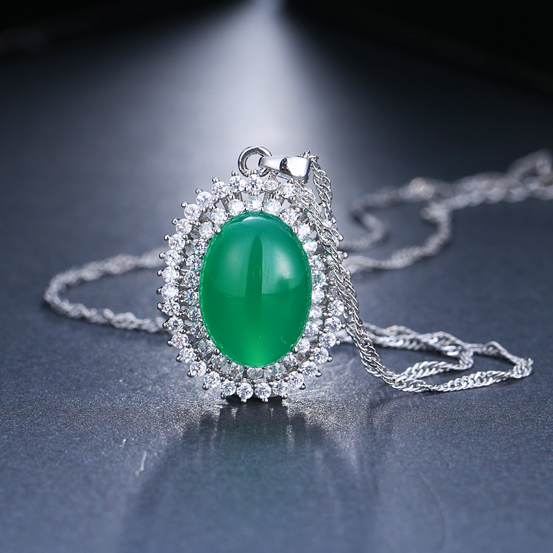 Emmaya Charm Zircon Necklaces Dazzling Oval Shape or Women Wedding Party Gift in Pendant Necklaces from Jewelry Accessories
