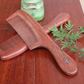 Sándalo rojo Natural masaje peine No estático portátil cepillo de pelo  cuidado de la salud regalo cabeza masajeador peluquería peines de madera 751f3104dae8