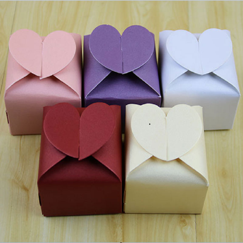 Wholesale Hot Sale 100pcs colors Love heart Candy Box Pink,Purple,White,Red Wedding Party Favors Candy Boxes Gifts Free Shipping