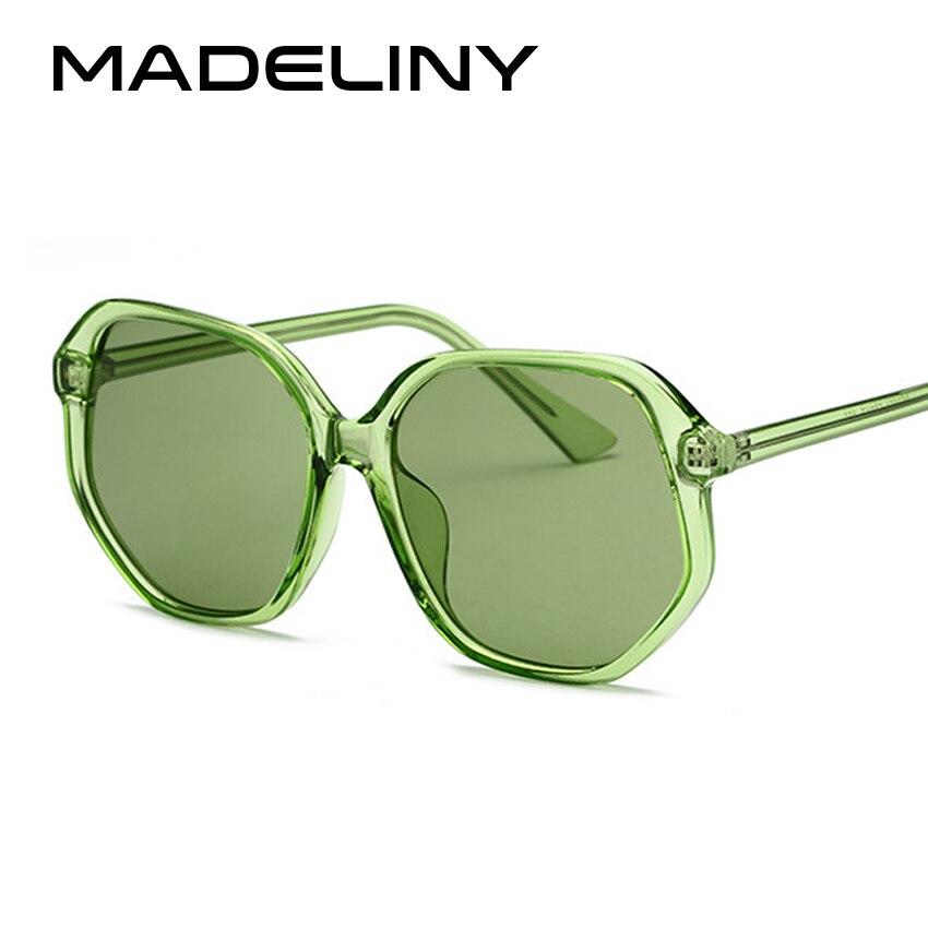 abaff171b4 MADELINY nuevas mujeres del Color del caramelo cuadrados gafas de sol Marca  Diseño clásico de la vendimia Verde Negro Rosa 2018 sombras femeninas MA204