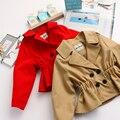 Niños Niñas Sólido prendas de Vestir Exteriores del Otoño del Resorte Da Vuelta-abajo Zanja Botón de La Moda de Manga Completa Escudo Niños Ropa 6 UNIDS/LOTE