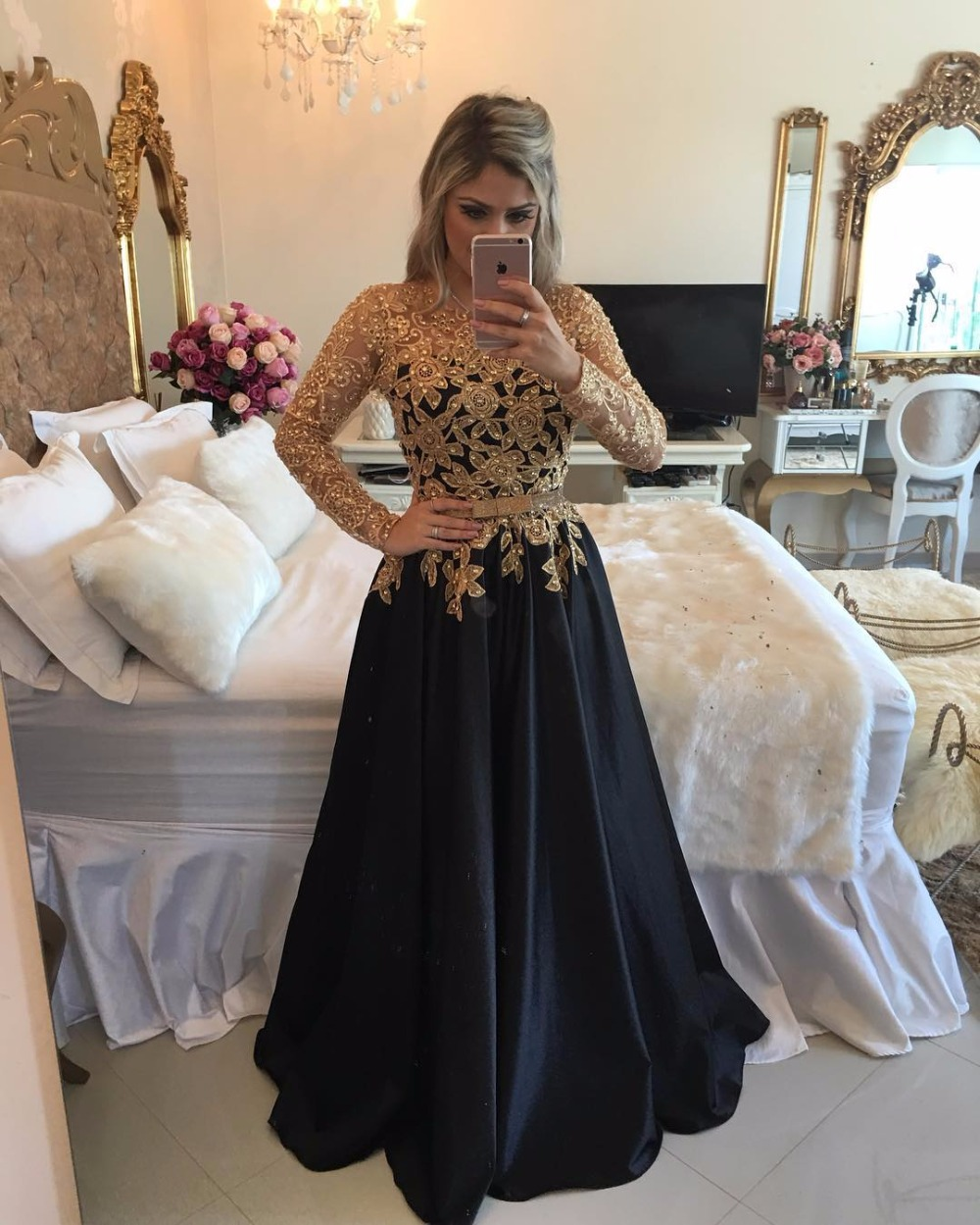 A-Line Long Sleeves Floor Length Party Gowns See Through Back Sexy Robe De Soiree Evening Vestidos Mother Of The Bride Dresses