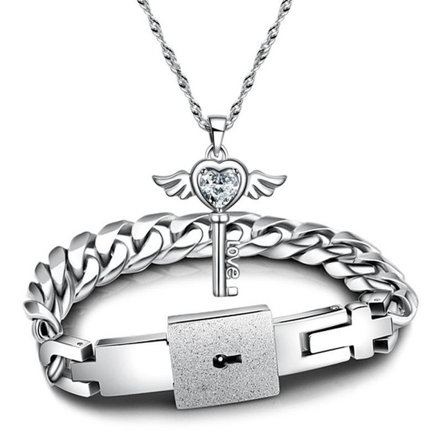 0e25530428 Hot Sale Couples Jewelry Sets Silver color Cubic Zirconia Key Pendant  Necklace and Titanium Steel Lock Link Chain