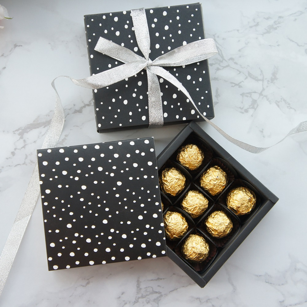 13.1*13.1*3.5cm Black White Dot Theme 10 Set Chocolate Paper Box Valentine Christmas Birthday Gifts Packing Storage Boxes