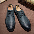 2017 Primavera zapatos de moda masculina de los hombres de cuero casual de negocios de Corea Brogues tallado hombres zapatos de plataforma de suela gruesa estilo personal