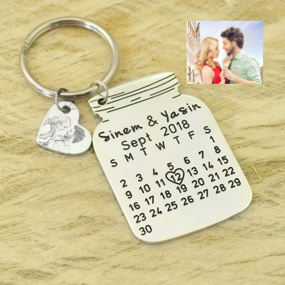Personalized Picture Calendar Keychain Anniversary Date Key chain Special Date Gift Wedding Date Key Ring with heart