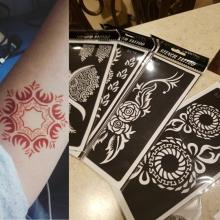 цены 5pcs Stencils for Tattoo Henna Tattoo Stencil for Face Painting Templates Mehendi Airbrush Glitter Temporary Body Paint Art