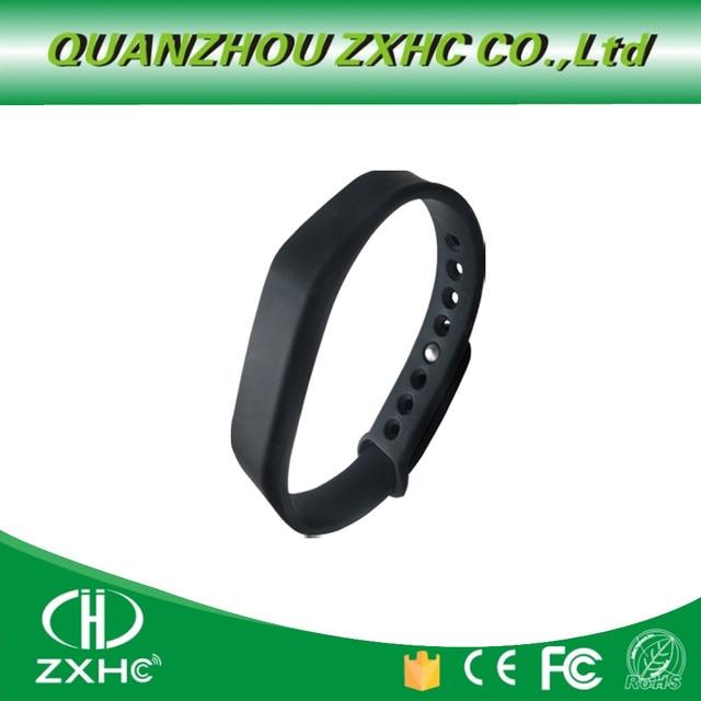 調節可能なシリコーン防水 NFC リストバンドブレスレット Ntag213 タグ