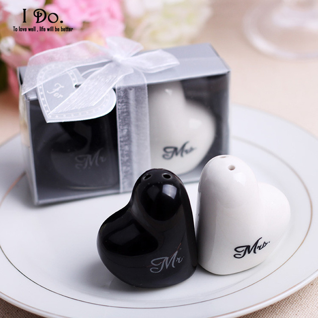 Free Shipping Mr Mrs Salt Pepper Shaker Wedding Favors And Gifts For Guests Souvenirs