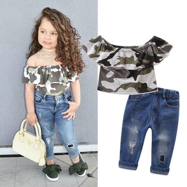 0ff3c4cd110660 2017 Nova Moda Cool Kids Meninas Off-ombro Curto Camo Tops + Calças Jeans  Rasgadas Calças Roupas Set Roupas de Verão 1-7 T