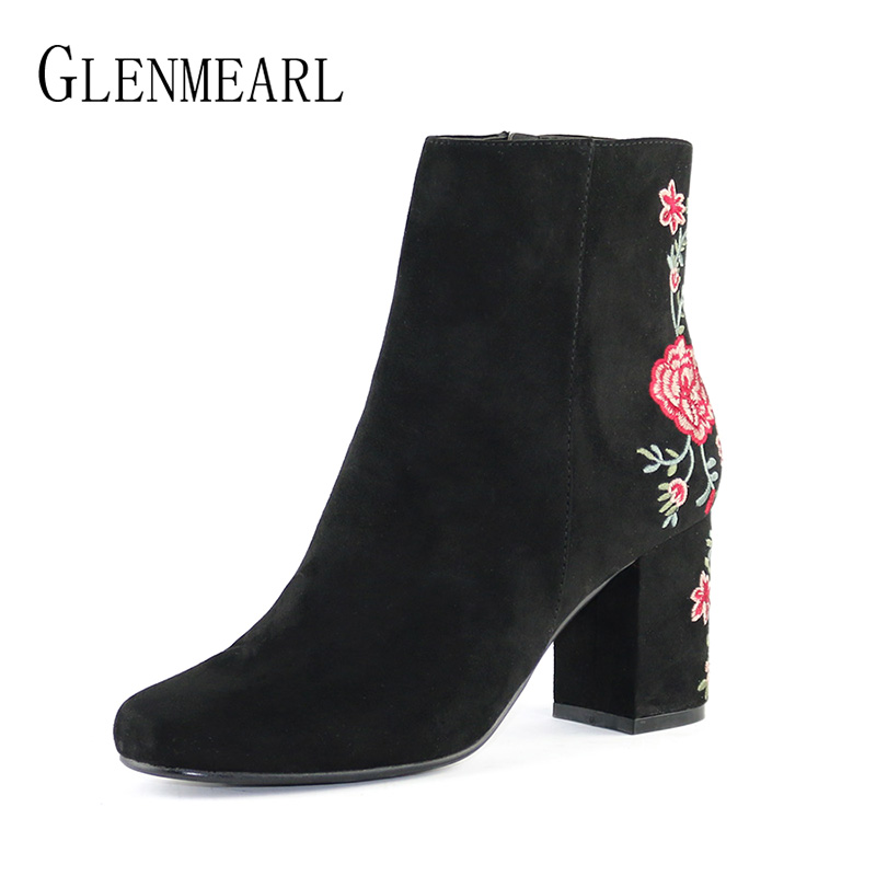 Winter Women Boots Thick Heels Embroider Fashion Ankle Boots Woman Shoes Flock Flower Round Toe Zip Short Boots Plus Size CE morazora fashion punk shoes woman tassel flock zipper thin heels shoes ankle boots for women large size boots 34 43