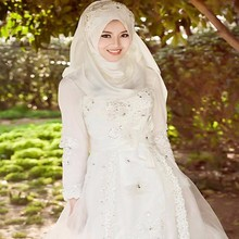 2017Vintage Muslim Long Sleeve Wedding Dresses With Hijab Islamic Full High Empire Appliques Beading Wedding Gown