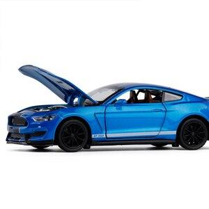 Image 2 - 1/32 Mustang Shelby GT350 Legierung Auto Spielzeug Modell EINE Modifizierte Auto Modell Pull Zurück Blinkende kinder Spielzeug Geschenk Freies verschiffen