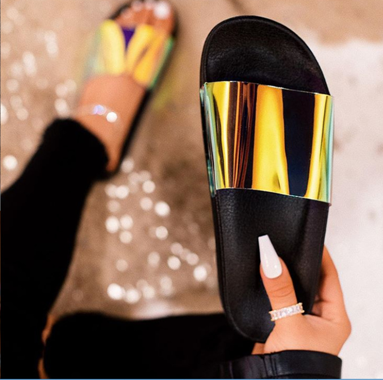 Fashion Summer Women Sandals Clear Shoes Slip-On Jelly Shoes Bling Ladies Flat Beach Sandals Outdoor Holiday Slides