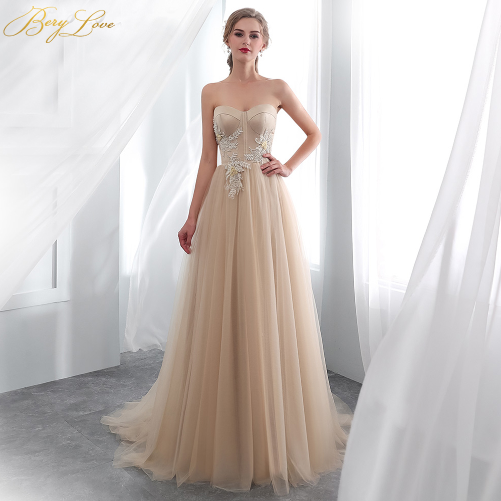 Chic Champagne Wedding Dress 2019 Long Sweetheart Boned Beaded Appliques  Flora Wedding Gown Plus Size Wedding Women Bridal Dress