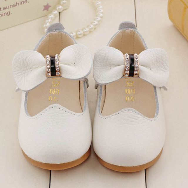 2017 Luxury Genuine Leather Baby Shoes Children Flats Shoes Cut out Baby Girls Shoes Toddler Girls Shoes Soft Sole First Walkers